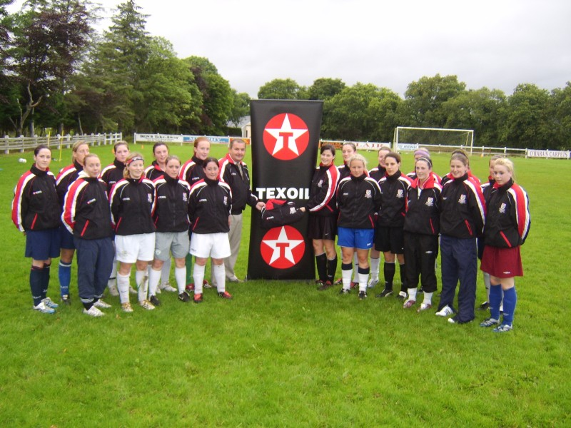 Jerome presents tacksuits to Mayo F.C